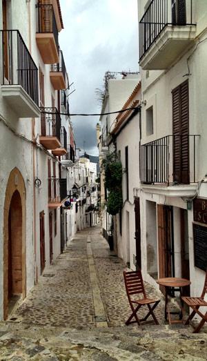 Angostas calles de Dalt Vila